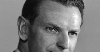 laurance rockefeller 1 390x205 - Laurance Rockefeller Biography - life Story, Career, Awards, Age, Height