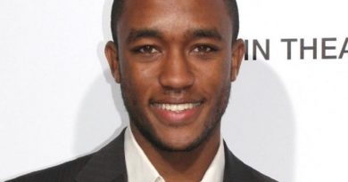 lee thompson young 1 390x205 - Lee Thompson Young Biography - life Story, Career, Awards, Age, Height