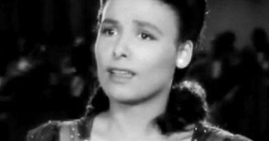 lena horne 6 390x205 - Lena Horne Biography - life Story, Career, Awards, Age, Height