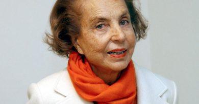 liliane bettencourt 1 390x205 - Liliane Bettencourt Biography - life Story, Career, Awards, Age, Height