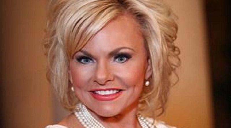 lori bakker 1 2 800x445 - Lori Bakker Biography - life Story, Career, Awards, Age, Height
