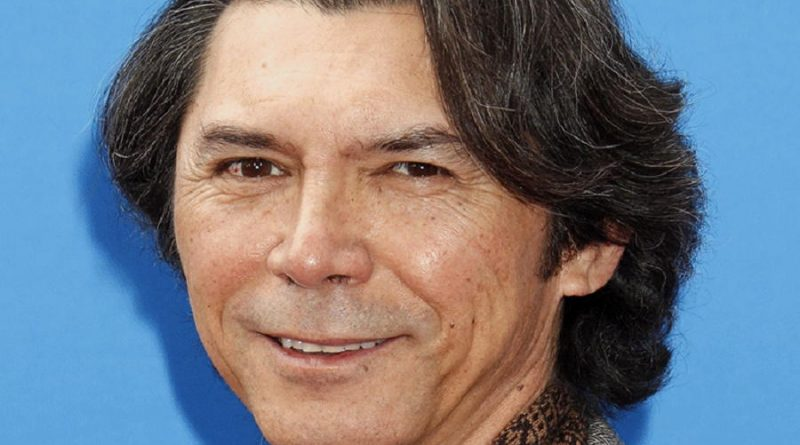 lou diamond phillips 4 800x445 - Lou Diamond Phillips Biography - life Story, Career, Awards, Age, Height