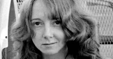 lynette fromme 1 390x205 - Lynette Fromme Biography - life Story, Career, Awards, Age, Height