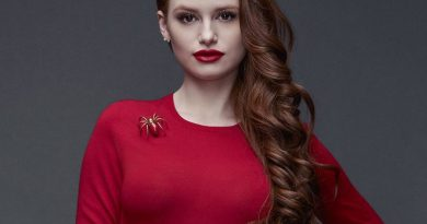 madelaine petsch 1 390x205 - Madelaine Petsch Biography - life Story, Career, Awards, Age, Height