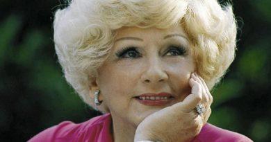 mary kay ash 1 390x205 - Mary Kay Ash Biography - life Story, Career, Awards, Age, Height