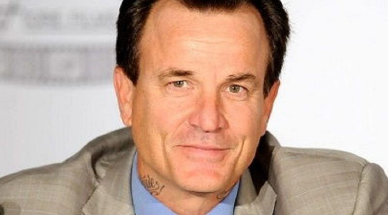 nick cassavetes 1 800x445 - Nick Cassavetes Biography - life Story, Career, Awards, Age, Height