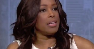 pam oliver 1 390x205 - Pam Oliver Biography - life Story, Career, Awards, Age, Height