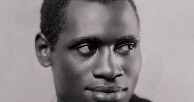 paul robeson 2 390x205 - Paul Robeson Biography - life Story, Career, Awards, Age, Height