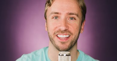 peter hollens 1 390x205 - Peter Hollens Biography - life Story, Career, Awards, Age, Height