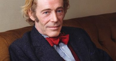 peter otoole 3 390x205 - Peter O'Toole Biography - life Story, Career, Awards, Age, Height