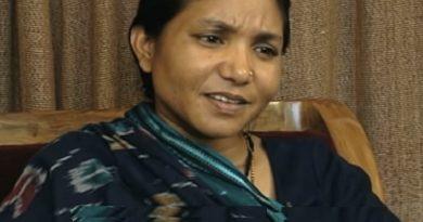 phoolan devi 1 1 390x205 - Phoolan Devi Biography - life Story, Career, Awards, Age, Height