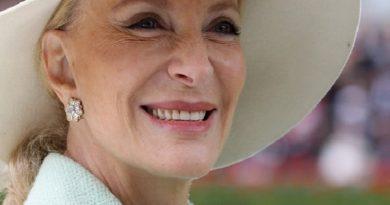 princess michael of kent 1 390x205 - Princess Michael of Kent Biography - life Story, Career, Awards, Age, Height
