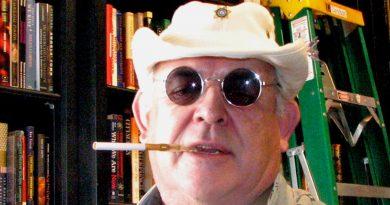 ralph steadman 2 390x205 - Ralph Steadman Biography - life Story, Career, Awards, Age, Height