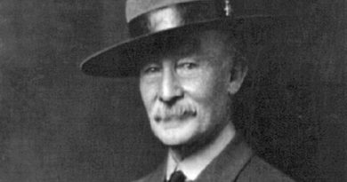 robert baden powell 1st baron baden powell 1 390x205 - Robert Baden-Powell, 1st Baron Baden-Powell Biography - life Story, Career, Awards, Age, Height
