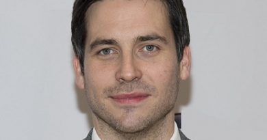robert james collier 1 390x205 - Robert James-Collier Biography - life Story, Career, Awards, Age, Height
