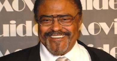 rosey grier 1 390x205 - Rosey Grier Biography - life Story, Career, Awards, Age, Height