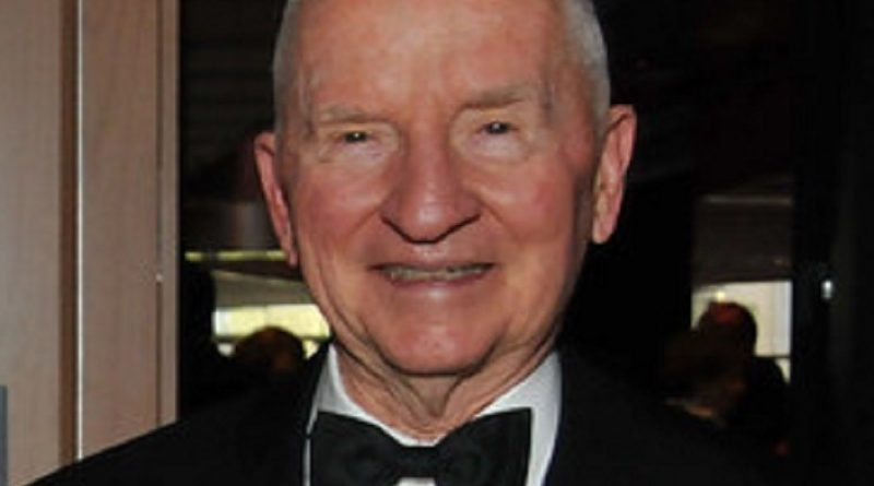 ross perot 3 1 800x445 - Ross Perot Biography - life Story, Career, Awards, Age, Height