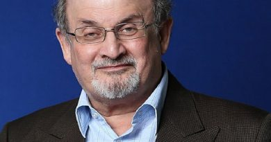 salman rushdie 5 390x205 - Salman Rushdie Biography - life Story, Career, Awards, Age, Height