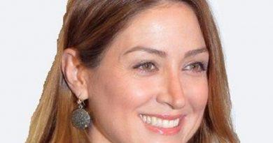 sasha alexander 1 390x205 - Sasha Alexander Biography - life Story, Career, Awards, Age, Height