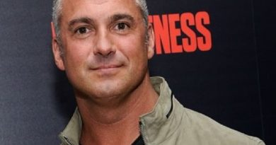 shane mcmahon 4 390x205 - Shane McMahon Biography - life Story, Career, Awards, Age, Height