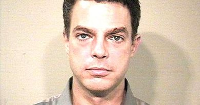 shepard smith 1 390x205 - Shepard Smith Biography - life Story, Career, Awards, Age, Height
