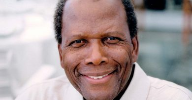 sidney poitier 4 390x205 - Sidney Poitier Biography - life Story, Career, Awards, Age, Height