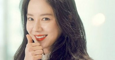 song ji hyo 4 390x205 - Song Ji-hyo Biography - life Story, Career, Awards, Age, Height