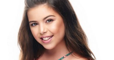 sophia grace brownlee 1 5 390x205 - Sophia Grace Brownlee Biography - life Story, Career, Awards, Age, Height
