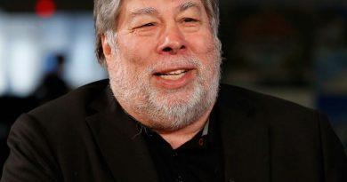 steve wozniak 5 1 390x205 - Steve Wozniak Biography - life Story, Career, Awards, Age, Height