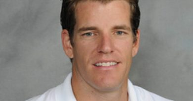 tyler winklevoss 1 390x205 - Tyler Winklevoss Biography - life Story, Career, Awards, Age, Height