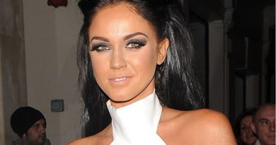 victoria pattison 2 390x205 - Vicky Pattison Biography - life Story, Career, Awards, Age, Height