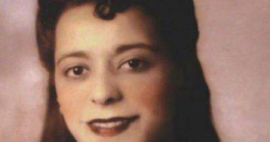 viola desmond 2 390x205 - Viola Desmond Biography -  life Story, Career, Awards, Age, Height