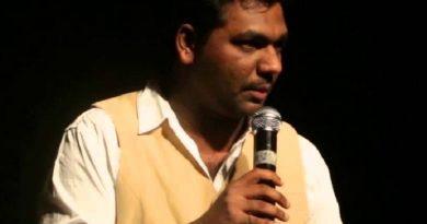 zakir khan 1 1 390x205 - Zakir Khan Biography - life Story, Career, Awards, Age, Height