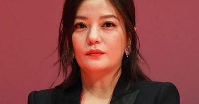 zhao wei 1 2 390x205 - Zhao Wei Biography - life Story, Career, Awards, Age, Height